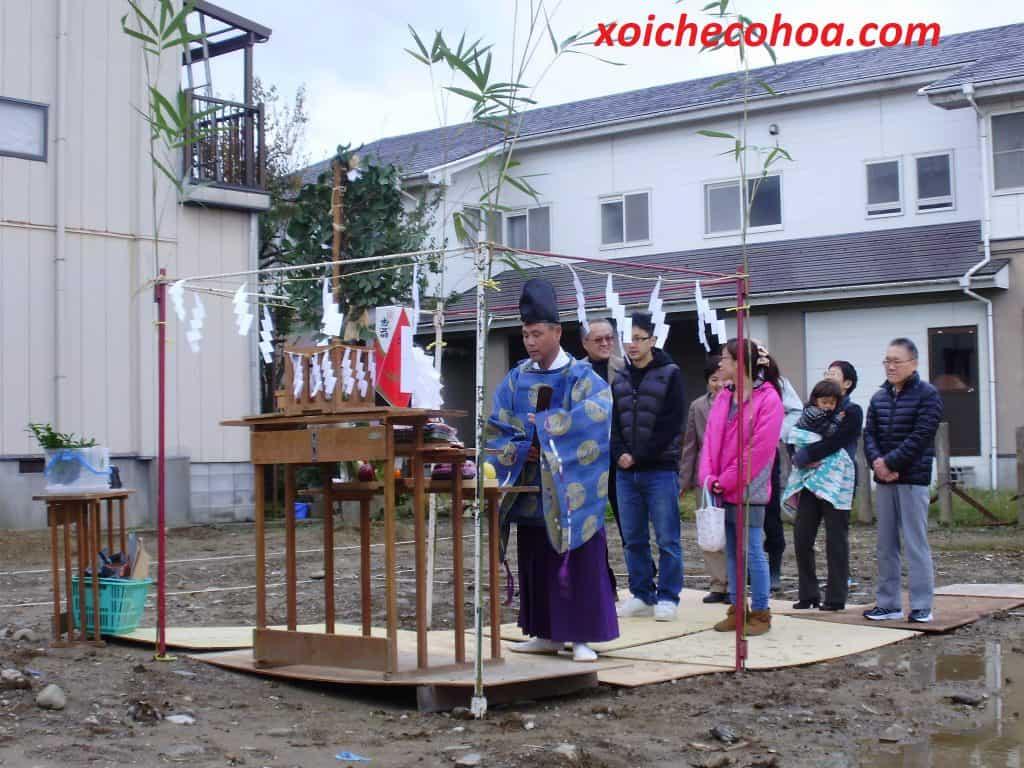 hình ảnh minh họa người nhật làm lê động thổ xây dựng nhà cửa